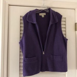 Apple seeds 100% wool vest size XL.